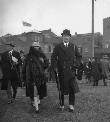 Hugh Grosvenor: 28 tuổi đã là chủ nhân gia tộc giàu nhất nước Anh, đến Nữ hoàng cũng chỉ là người thuê đất của họ