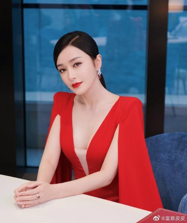 'Trách Em Quá Đẹp': Tần Lam làm nữ chủ thời hiện đại khiến dàn mỹ nam Cao Dĩ Tường, Vương Tử Dị si mê