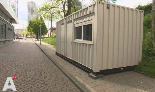 Tốn 3 triệu đồng đặt phòng Airbnb, ai ngờ đó chỉ là một thùng container bên đường