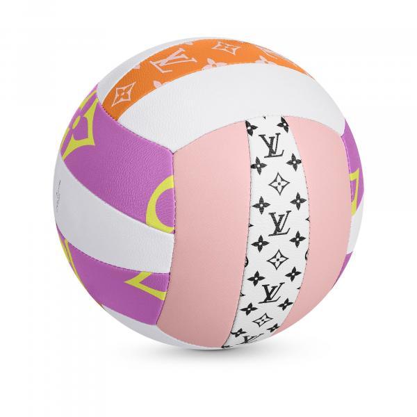 Bóng bàn không còn là môn thể thao bình dân nếu bạn sử dụng bộ bóng bàn trị giá 51,6 triệu VNĐ của Louis Vuitton