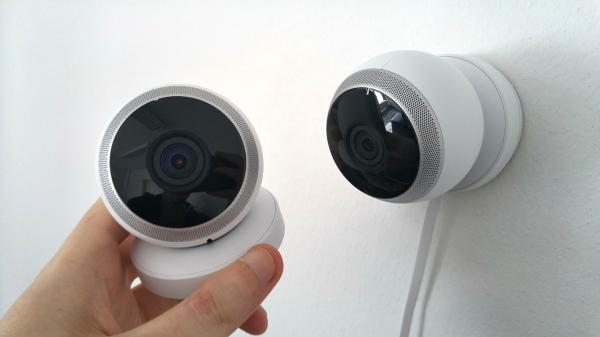 Bắt gặp con trai 15 tuổi 'tự xử' trong phòng ngủ, bố mẹ quyết định lắp đặt camera giám sát