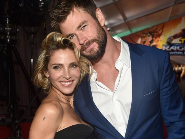 Sao Hollywood: Có những tình yêu sét đánh nhưng cũng có những đôi phải quen nhau qua mai mối