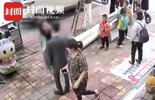 Chàng trai bị bạn gái tát 52 cú không trượt phát nào vì không tặng quà vào dịp Valentine Trung Quốc