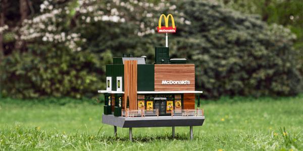 McDonald's khai trương cửa hàng nhỏ nhất thế giới dành cho ong?