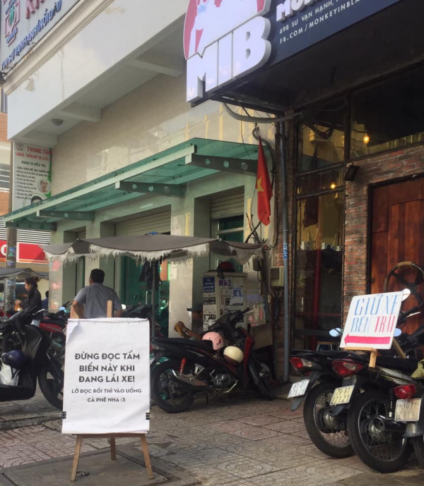 Đâu đó giữa Sài Gòn, chúng ta sẽ vô tình va phải những thông điệp dễ thương muốn xỉu thế này đây