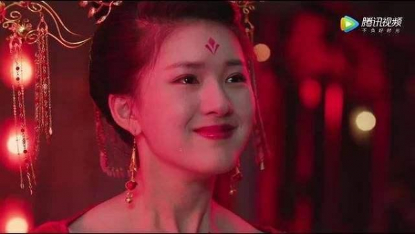 Triệu Lộ Tư và số mệnh đóng với toàn trai đẹp, sẽ là 'nữ thần mặt tròn' kế thừa hào quang Triệu Lệ Dĩnh?