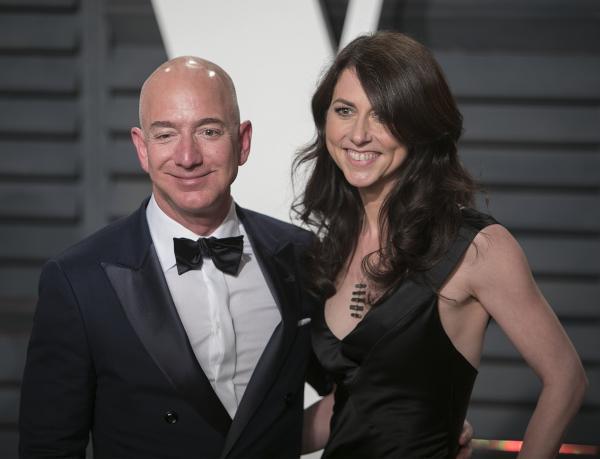 Vợ cũ ông trùm Amazon tuyên bố sẽ mang một nửa tài sản cho tổ chức từ thiện