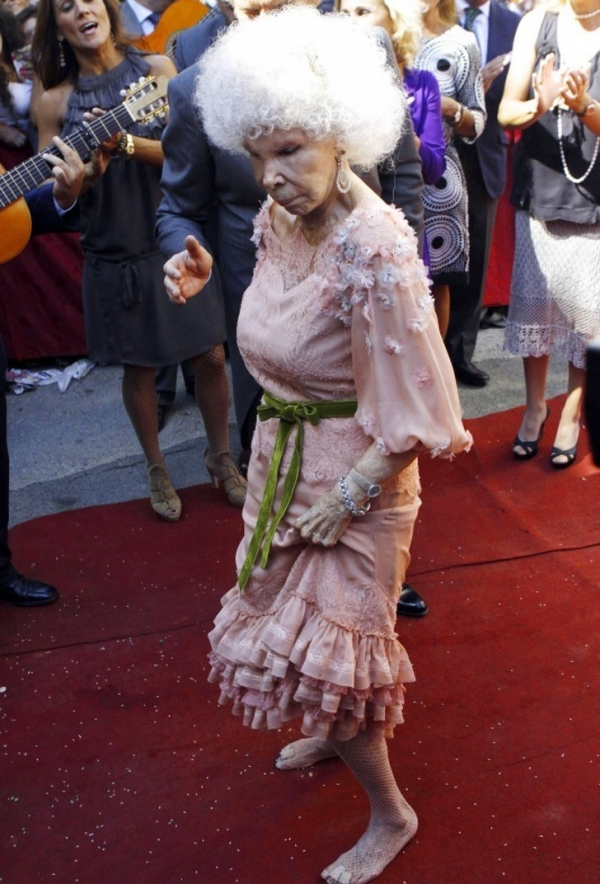 Quý bà công tước giàu nhất Tây Ban Nha: Không phải nữ hoàng nhưng đã sống như một nữ hoàng