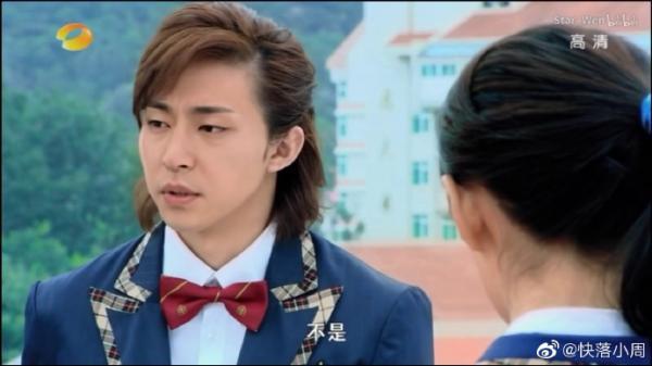 Fan hoang mang với hình ảnh gái tính của Đặng Luân trong loạt clip mới gây sốt trên MXH