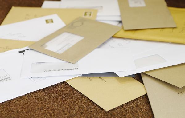 Người đàn ông có nguy cơ phải ngồi tù vì mở xem thư riêng của con trai 10 tuổi
