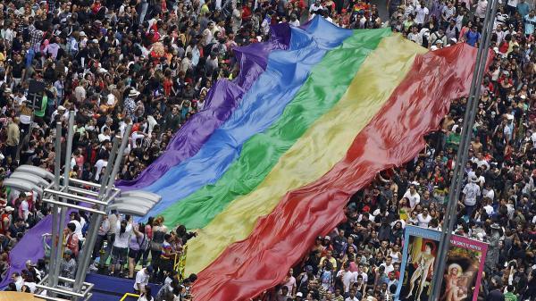 Một Giám mục gây phẫn nộ khi kêu gọi không hưởng ứng tháng Tự hào LGBT vì sợ ảnh hưởng đến trẻ em