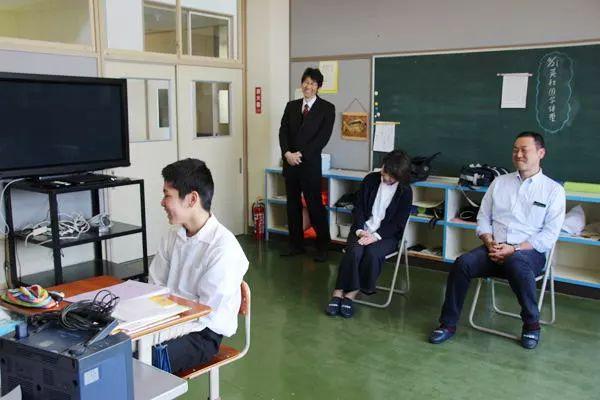 Ngôi trường Nhật Bản chỉ có một học sinh, ngày cậu trai tốt nghiệp cũng là ngày trường đóng cửa