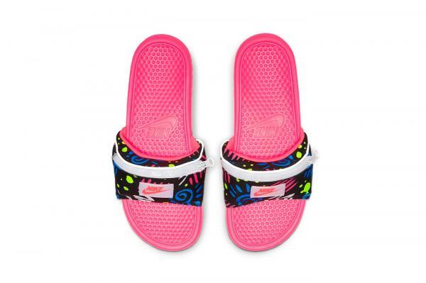 Nike tung ra siêu phẩm 'dép Slides kèm túi', dân tình ngán ngẩm 'có khác gì dép đi nhà tắm không?!'