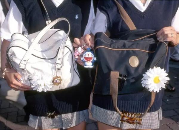 37 năm thời trang đường phố Tokyo làm kinh ngạc thế giới (1980 - 2017) (Phần 1)