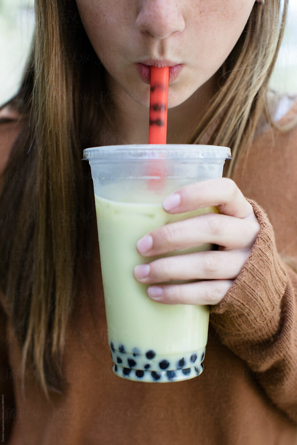 Phát hiện hơn 100 viên trân châu trong bụng cô bé 14 tuổi do thói quen uống trà sữa quá nhiều