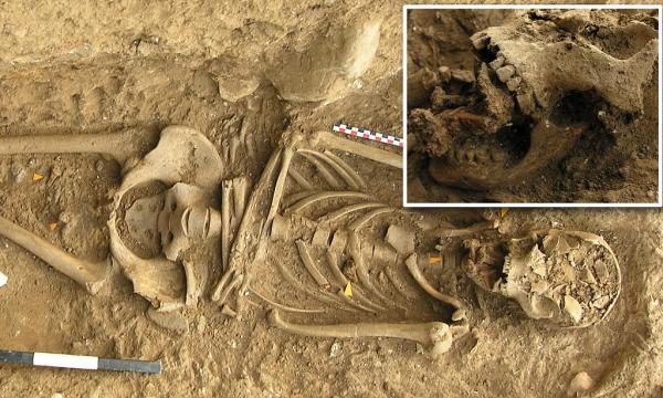 7 ngôi mộ kì lạ cho thấy người xưa kinh sợ phù thủy đến thế nào