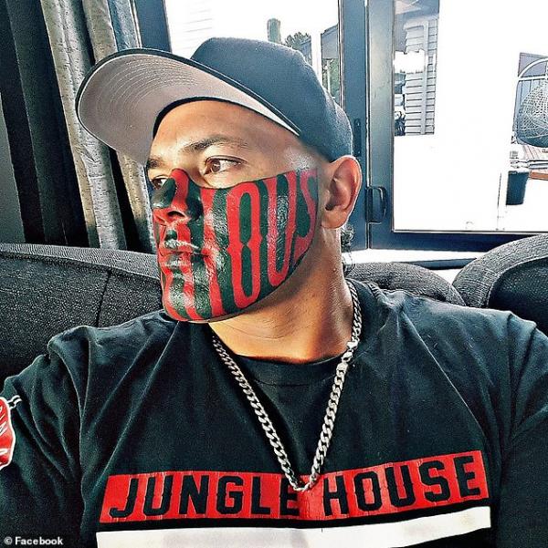 Anh trai xăm slogan của băng đảng xã hội đen lên mặt để rồi chật vật hoàn lương