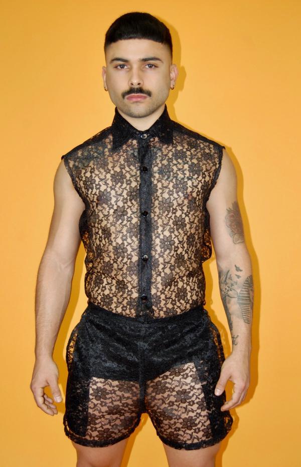 Hãng thời trang gây sốc khi cho ra mắt quần short ren cực cá tính dành cho nam giới