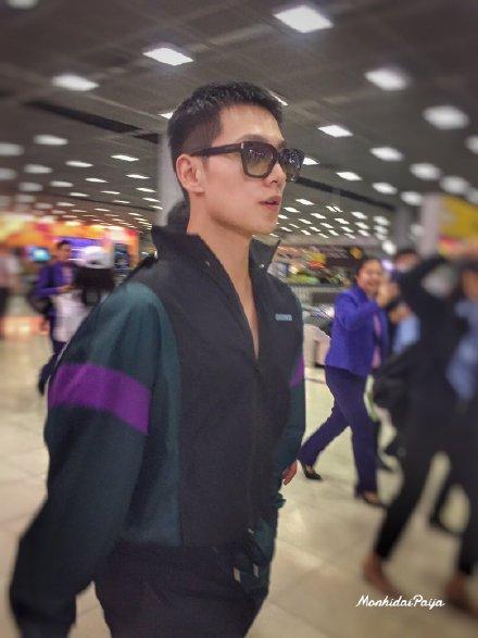 Dương Dương đến Thái Lan: Khí chất náo loạn cả sân bay, chao đảo Twitter với 3 hot search