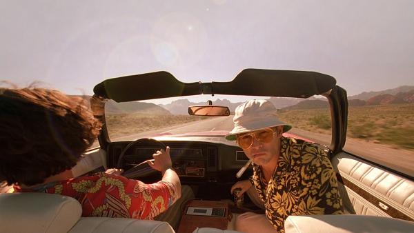 Hình xăm trên người B.I là hình ảnh 'thiên tài mê chất cấm' trong phim 'Run Sợ Ở Las Vegas'?