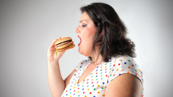 Vòng tay có chức năng... giật điện chủ nhân nếu phát hiện bạn ăn quá nhiều