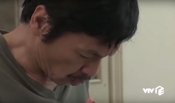 'Diễn viên' quần chúng bất ngờ xuất hiện trong phim 'Về Nhà Đi Con' khiến dân tình cười nghiêng ngả