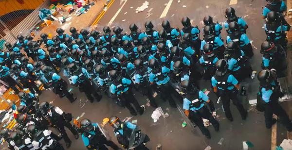 Cuộc biểu tình ở Hong Kong nhìn từ trên cao: Một khung cảnh đáng sợ và choáng ngợp