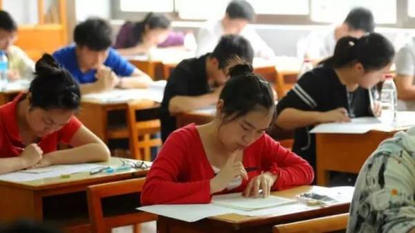 Đề thi văn đại học Trung Quốc: Đúng là cường quốc ngôn tình, đến đề thi cũng tinh hoa cỡ này