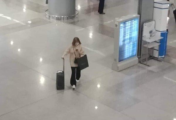 Fan cuồng theo đuôi NU'EST Minhyun sang Việt Nam, được săn đón không khác gì người nổi tiếng