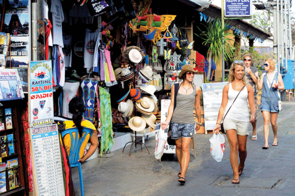 Đây là cách Bali trừng trị những khách du lịch 'ăn xin' bất hợp pháp để kiếm tiền vui chơi