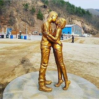Du lịch tại phim trường Hậu Duệ Mặt Trời có nguy cơ ế ẩm sau vụ ly hôn thế kỉ của Song - Song