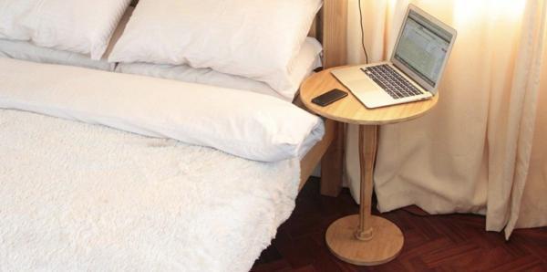 Khỏi lo kẻ lạ đột nhập với chiếc bàn để đầu giường có thể hô biến thành vũ khí tự vệ