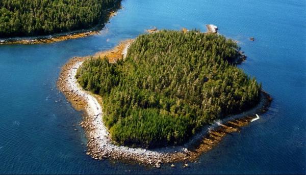 """7 hòn đảo trên thế giới có giá """"rẻ như cho"""" cũng không ai dám mua"""