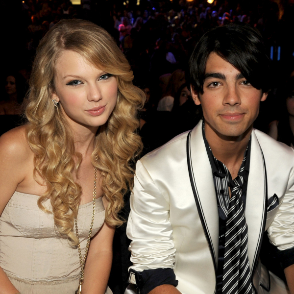 Phe đối lập lật lại quá khứ quen đóng vai 'nạn nhân' của Taylor Swift, sự thực ra sao?