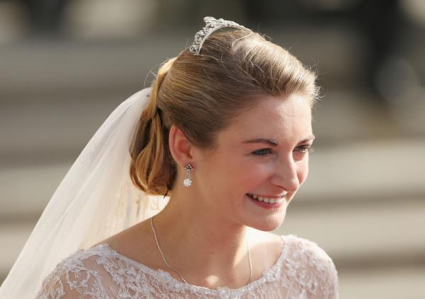 Vẻ đẹp sắc nước hương trời của 30 nàng dâu trong các gia tộc hoàng gia trên thế giới (P1)