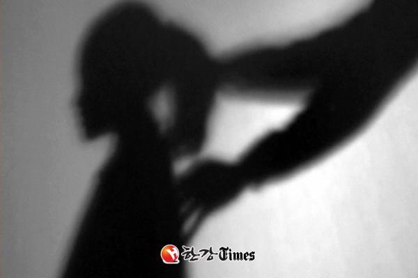 9 câu chuyện ghê sợ về mặt tối K-Pop sẽ khiến bạn chấn động
