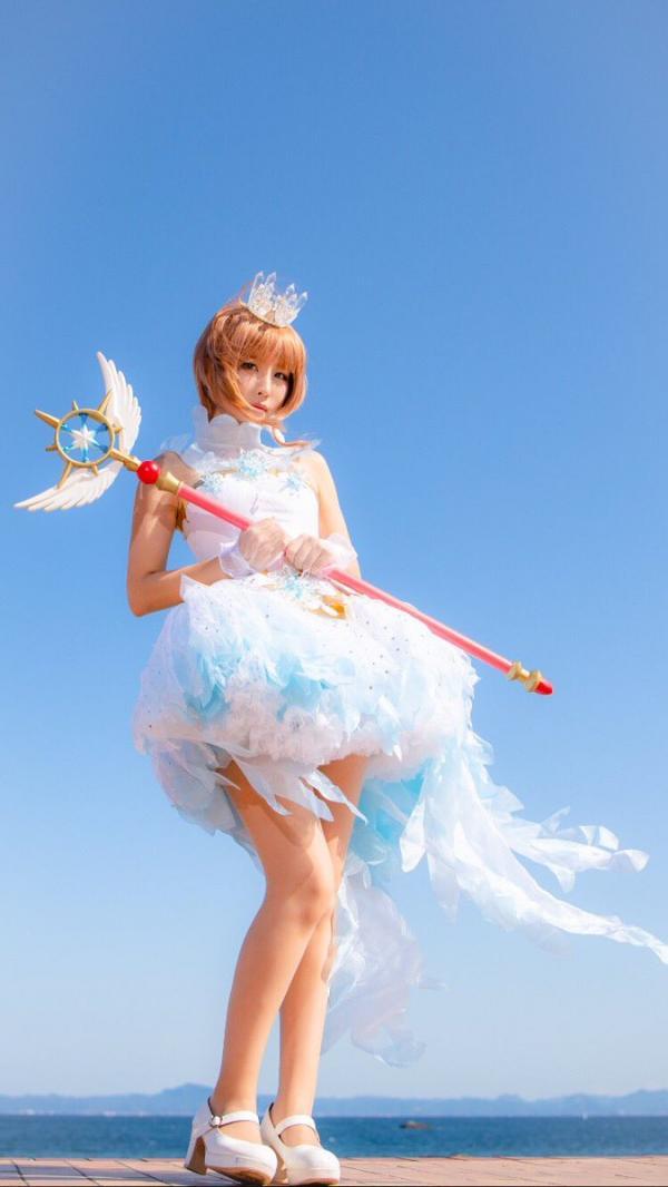 Cosplayer Nhật Bản phá kỷ lục Guinness cho bộ sưu tập Thủ Lĩnh Thẻ Bài lớn nhất