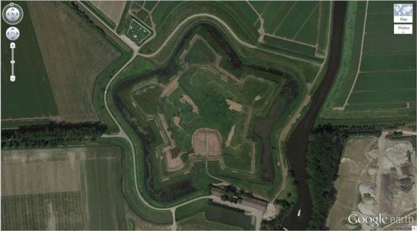 Cùng khám phá những bức hình 'độc' có một không hai trên Google Earth (P1)