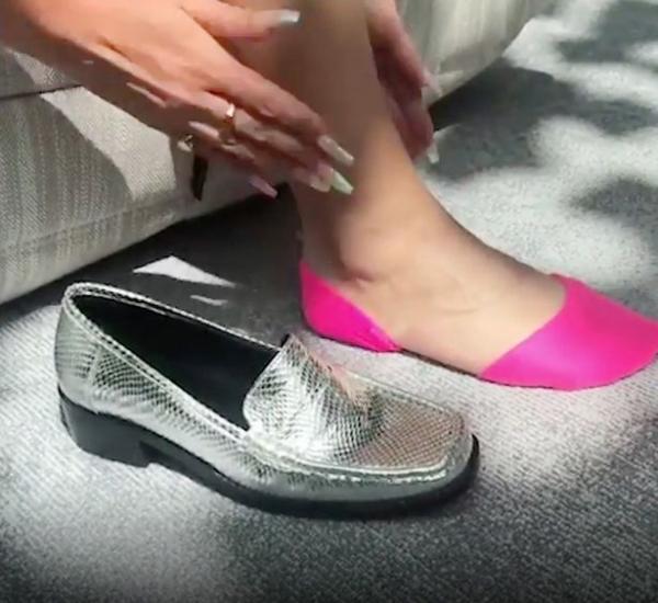 Video 'tàng hình đôi vớ' cho người đi giày bệt của ASOS được gọi là 'cuộc cách mạng thời trang'