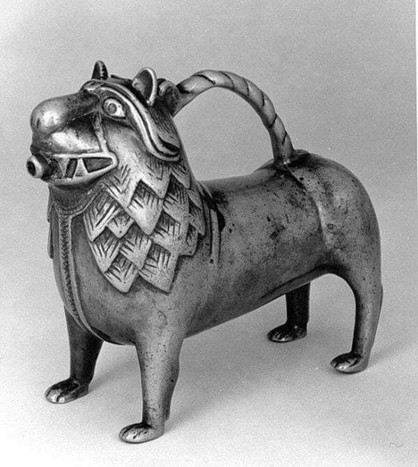 Rợn người vệ sinh cá nhân thời Trung cổ: Đánh răng bằng cành cây, chấy và bọ chét hoành hành