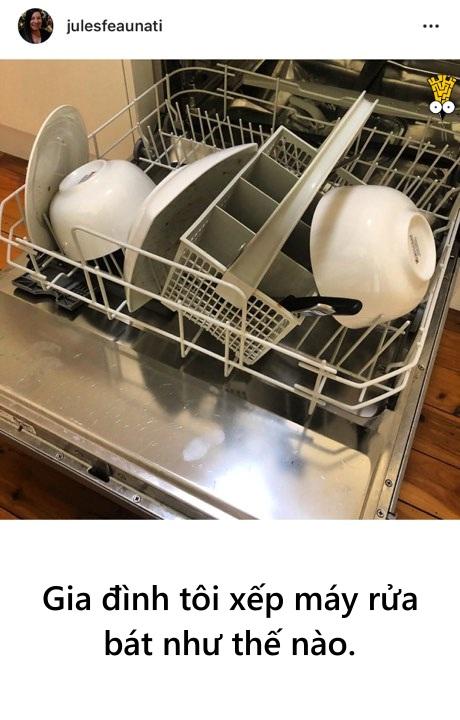 'Cười ngặt nghẽo' với những tai nạn hài hước khi sử dụng máy rửa chén bát