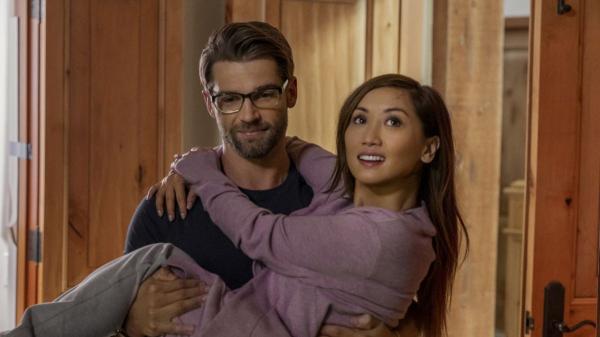 'Secret Obsession': Brenda Song tái xuất trong phim kinh dị mới, bị kẻ cuồng yêu săn đuổi