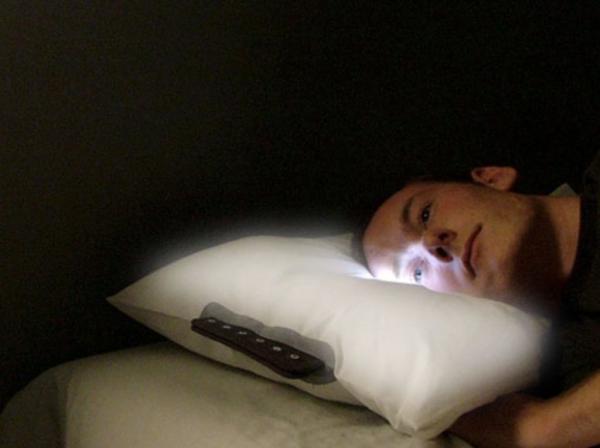 Đời sống về đêm quá nhàm chán, còn không rinh ngay 15 chiếc gối ngủ độc lạ này về đi
