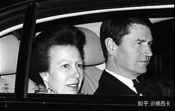 Ngoại tình, ly hôn, vơ vét tài sản..., đời sống tình cảm của hoàng gia Anh còn đặc sắc hơn giới giải trí