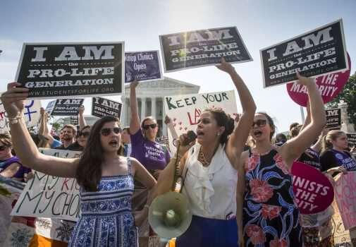 Lên án, chỉ trích phụ nữ có phải là biện pháp khôn ngoan để chống nạn phá thai?