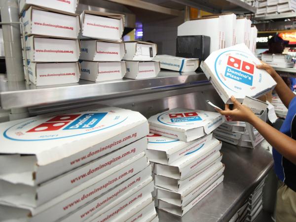 Nhờ đi mua pizza mà một phụ nữ đã được giải cứu khỏi bàn tay bạo lực của chồng