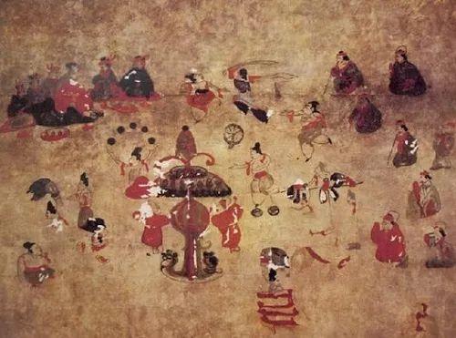 Sau một ngày bận rộn triều chính, hoàng đế có những hoạt động giải trí nào để thư giãn?