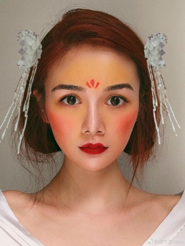Trang điểm phong cách Hoa Mộc Lan đang trở thành hot trend tại Trung Quốc