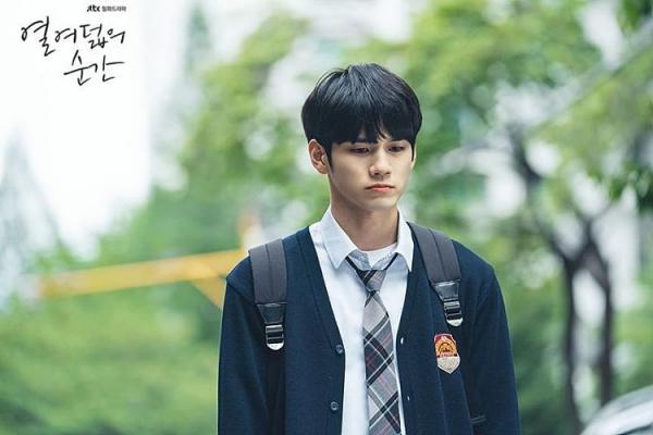 Moment At Eighteen – Bộ phim học đường thanh xuân sẽ khiến tim bạn rạo rực ngay tập đầu tiên