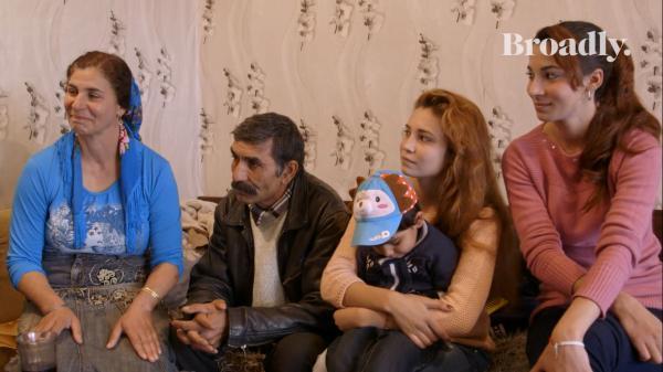 Phiên chợ cô dâu ở Bulgaria – Nơi những trinh nữ bị gia đình bán đi dù bây giờ là thế kỉ 21